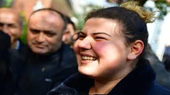 Ekrem İmamoğlu'nu gören vatandaş sevinç gözyaşları döktü