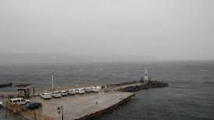 Çanakkale'de fırtına nedeniyle Boğaz kapatıldı