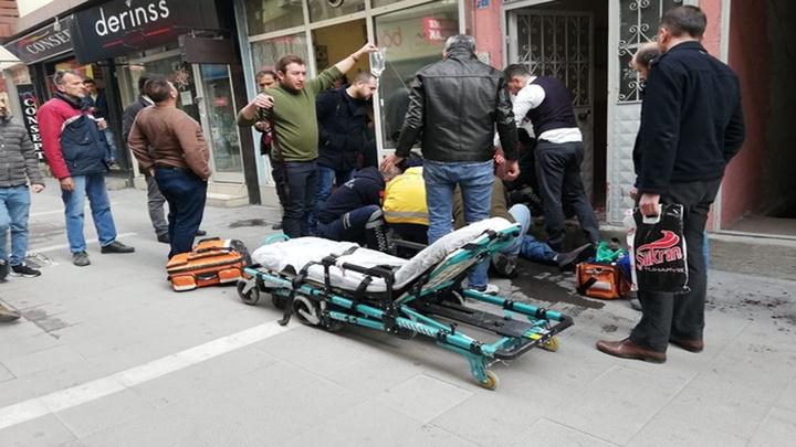 Uşak'ta sokak ortasında alacak verecek kavgası kanlı bitti