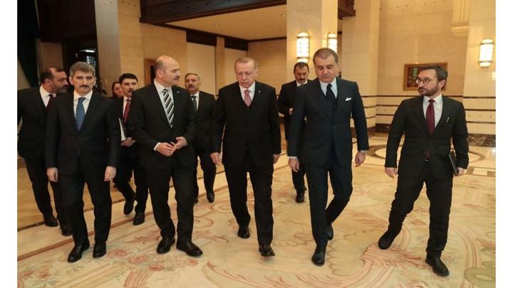 Cumhurbaşkanı Erdoğan, Cumhurbaşkanlığı Külliyesinde kanaat önderleri ile görüştü