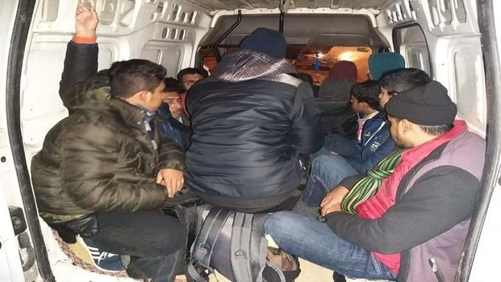 5 kişilik araçtan 12 kişi bindi