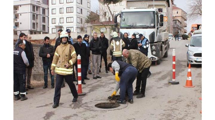 Tuzla'da dün yaşanan koku paniğiyle ilgili bir vidanjör şoförü gözaltına alındı