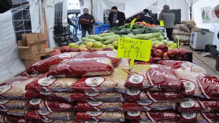 Başkentte tanzim satış noktalarında ilk gün 23 ton bakliyat satıldı