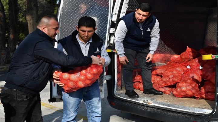 Aziz Kocaoğlu açıklamıştı, 35 bin aileye 700 ton patates ve soğan dağıtılıyor
