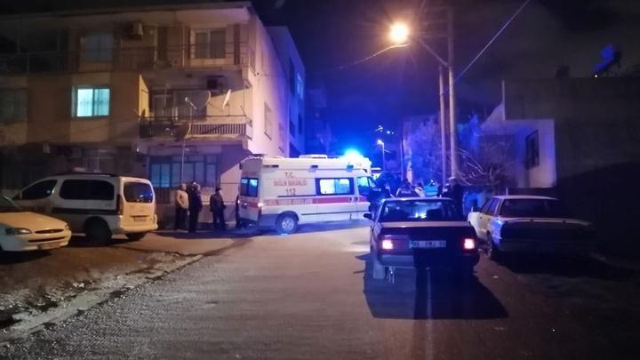 İzmir'de seyir halindeki bir araca pompalı tüfekle ateş açıldı: 1 ağır yaralı