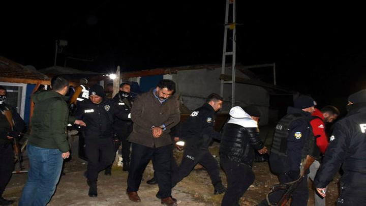 Kırıkkale'de bir mandıraya kumar operasyonu: 54 kişi gözaltına alındı