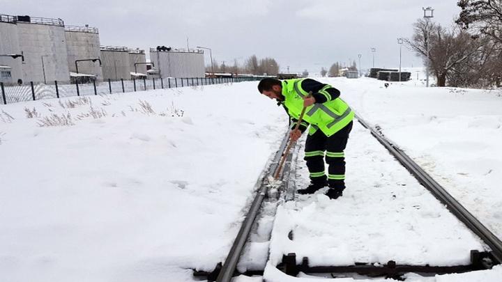 Erzurum'da demiryolu görevlilerinin zorlu kış mesaisi
