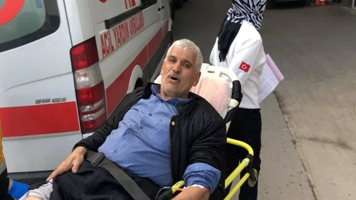 Bursa'da evine hırsız girdiği haberini alan kişi evine geldi ve bacağından vuruldu