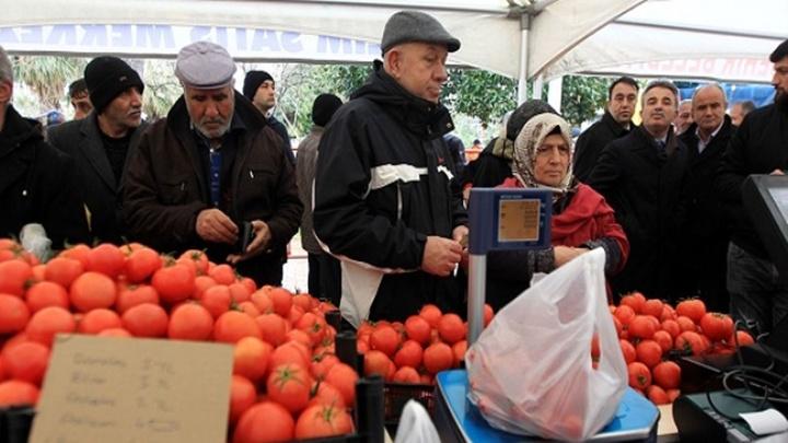 Samsun'da vatandaşlar pazara gitmek yerine tanzim satış noktalarını tercih etti