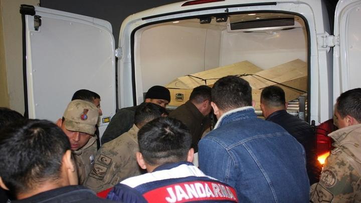 Siirt'te şehit olan uzman çavuş için tören düzenlendi, törenin ardından şehidin naaşı Gaziantep'e uğurlandı