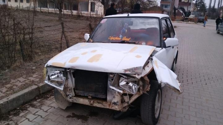 Kastamonu'da kaza yapan ehliyetsiz genç şoka girdi