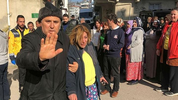 Bursa'da yangında evi kullanılamaz hale gelen kadın sinir krizi geçirdi