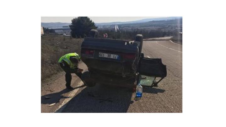 Kırıkkale'de otomobil ile çekici çarpıştı, kazada  1'i çocuk 5 kişi yaralandı