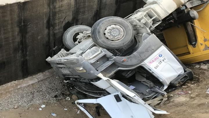 Sakarya'da kazada baba yaralanırken oğlu hayatını kaybetti
