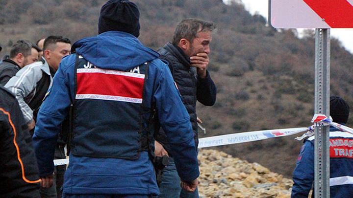 Bolu'da iki gün önce tatil merkezine gitmek için yola çıkan iki kişi otomobille uçurumdan yuvarlanarak ölmüş