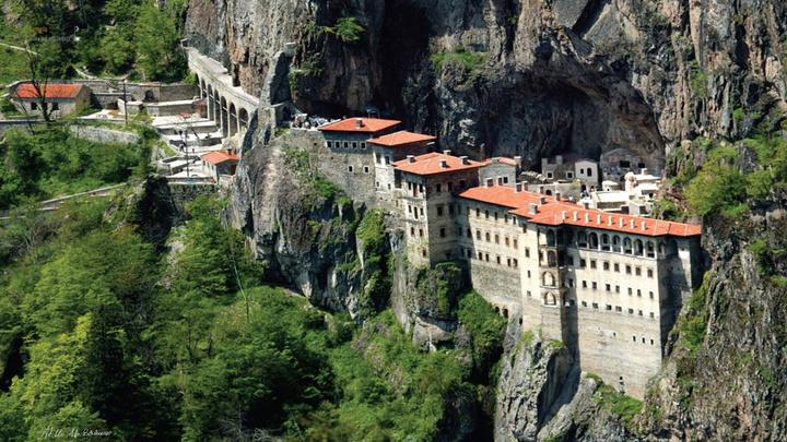 Sümela Manastırı'nın ilk bölümünde çevre düzenleme ve restorasyon çalışması tamamlandı