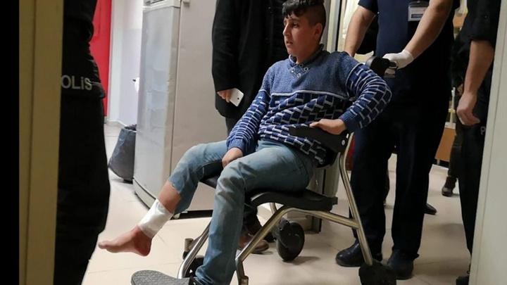 Bursa'da sokak ortasında silahlı kavga çıktı, yoldan geçen Umutcan bacağından vuruldu
