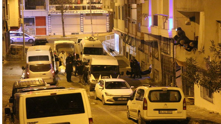 Esenyurt'ta katliam: 2'si öz oğlu olmak üzere 4 kişiyi öldürdü, 1 kişiyi ağır yaraladı