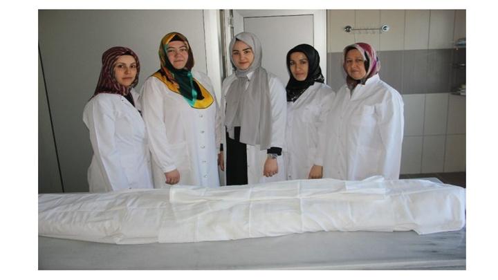 Kadın gassallar, mesleklerini anlattılar: Günde 15 ölü yıkıyor, kefenliyorlar