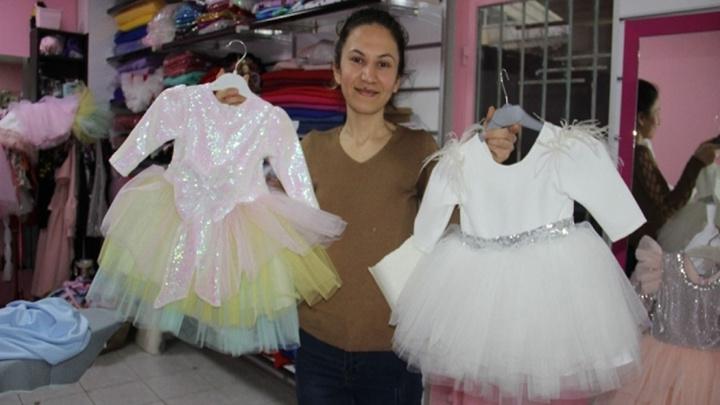 Aydın'da bir anne pazardan aldığı kumaşla kızı için kıyafet dikti, şimdi ihracatçı oldu