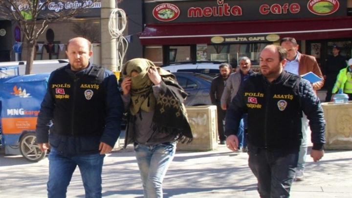 Eskişehir'de 11 kamyondan 5 bin TL değerinde kablo çalan 2 şüpheli yakalandı