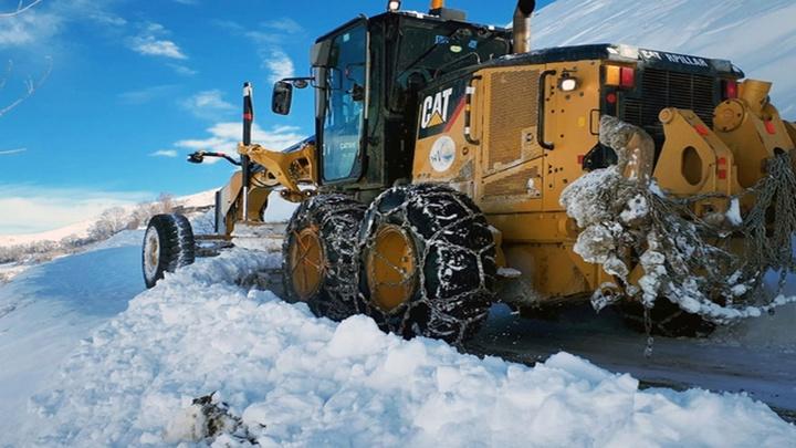 Van'da etkili olan kar nedeniyle 42 yerleşim yeri ulaşıma kapandı