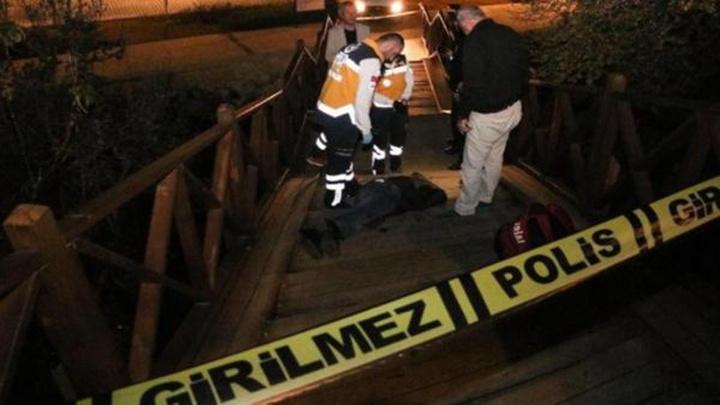 Antalya'da seyir terasının merdivenlerinden inerken düşüp öldü