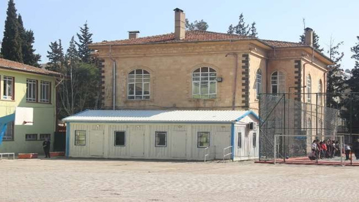 Kilis'te halk tarihi okulun isminin yaşatılmasını istiyor