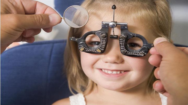 """Prof. Dr. Ilgaz Yalvaç: """"Çocuklarda göz travması, glokoma neden olabiliyor"""""""