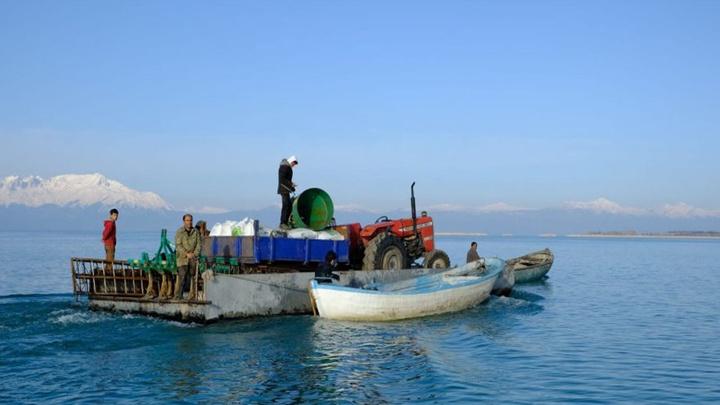 Beyşehir Gölü'ndeki Çeçen Adası'nda gübreleme çalışmaları başladı
