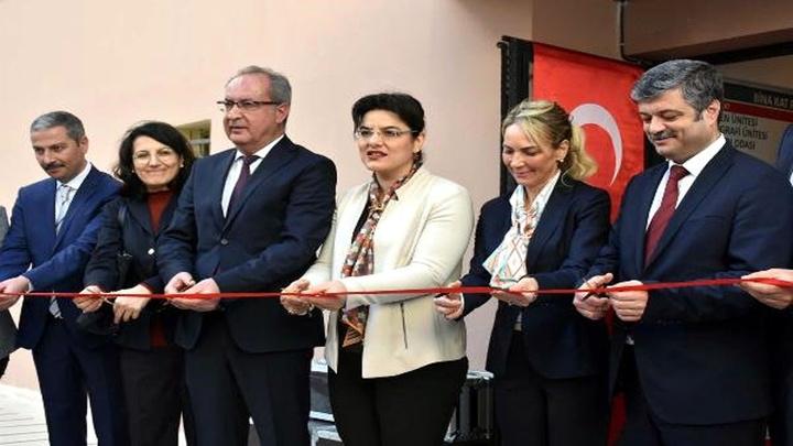 İzmir İl Sağlık Müdürlüğü'nce sağlıklı hayat ve obezite merkezi açıldı