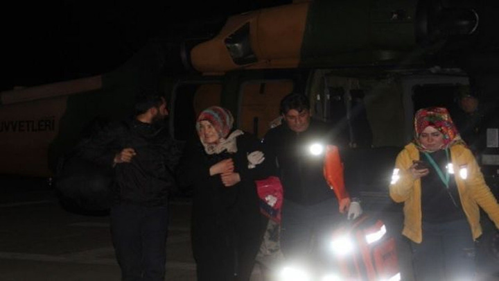 Bingöl'dehamile kadın askeri helikopterle hastaneye götürüldü