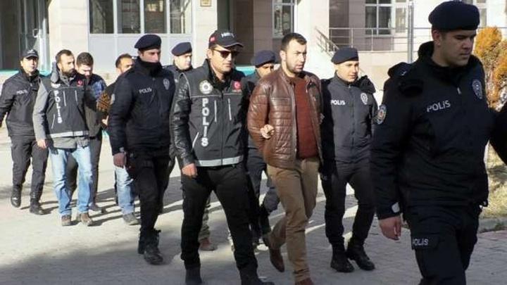 Yozgat'ta uyuşturucu satıcılarına yönelik operasyonda 11 kişi gözaltına alındı