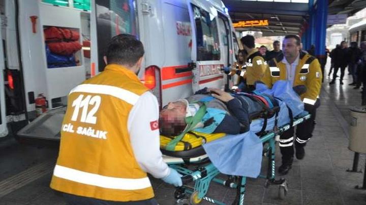 Zonguldak'ta TCDD'de çalışan temizlik işçisi iskeleden düşerek ağır yaralandı