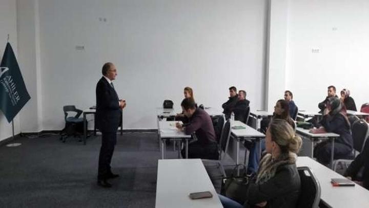 Kapadokya Üniversitesinden MEB öğretmenlerine robotik kodlama eğitimi