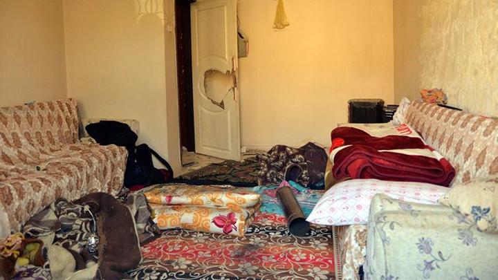Mersin'de ayrı yaşadığı eşini tahra ile başına defalarca vurarak öldürdü