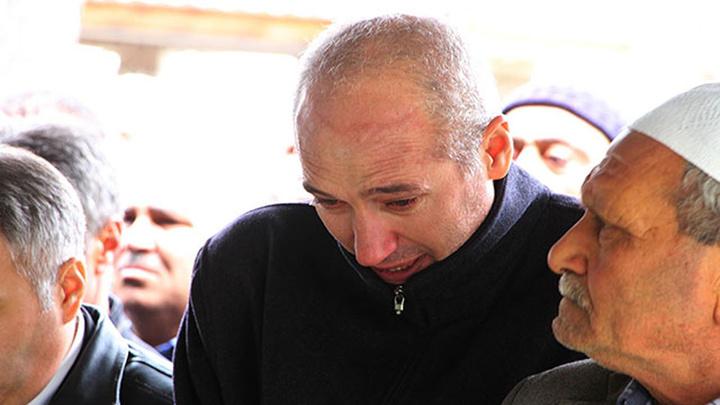 Uşak'ta göreve giden polis baba olay yerinde oğlunun cansız bedeniyle karşılaşmıştı, bugün oğlunu toprağa verdi