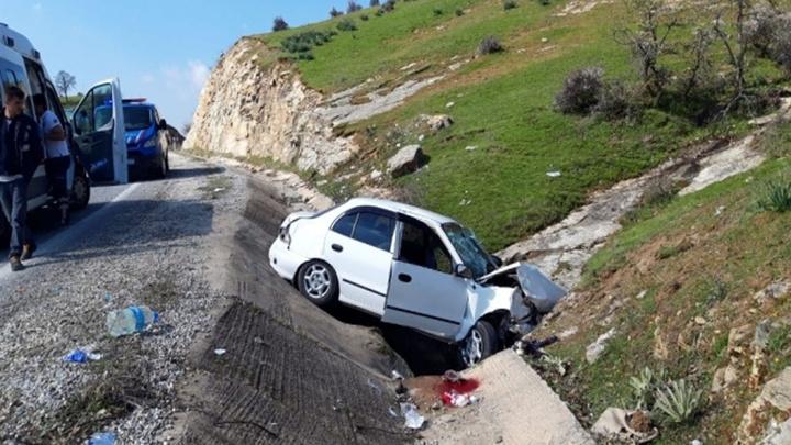 Manisa'da bir araç şarampole uçtu: 1 ölü, 3 yaralı