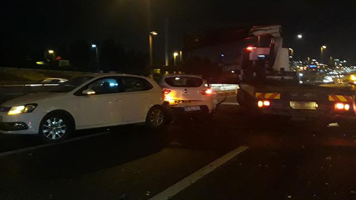 Bakırköy'de 5 aracın karıştığı zincirleme kazada 5 kişi yaralandı