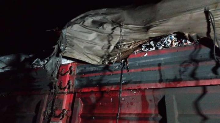 Darende'de seyir halindeki tırda yangın çıktı