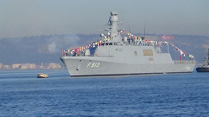 Çanakkale Zaferi'nin 104. yılı denizde 21 pare top atışıyla kutlanmaya başlandı