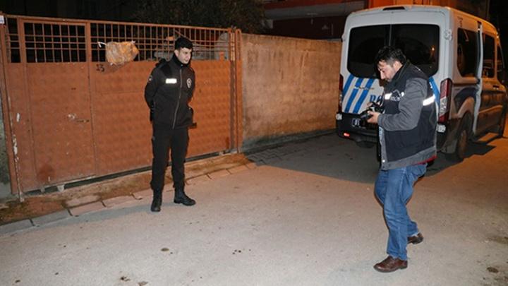 Adana'da alkollü kişi ağabeyini defalarca bıçakladı