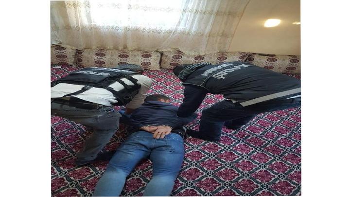 Şırnak'ta okul çevresinde uyuşturucu satanlara yönelik operasyonda 11 kişi gözaltına alında