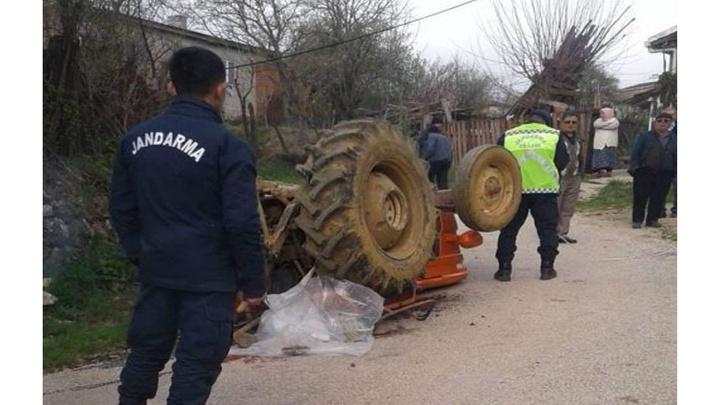 Çanakkale'de yaşlı adam devrilen traktörün altında kalarak can verdi