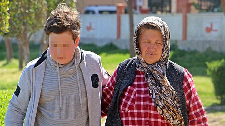 Antalya'da anne ve babası cezaevinde olan 4 kardeşten en küçüğü  'SMA TİP1' hastası bebek, yürekleri sızlattı