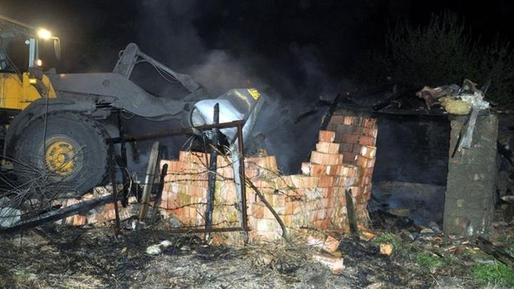 Tekirdağ'da 2 ev yandı; Ev sahibi evini yıktırdı
