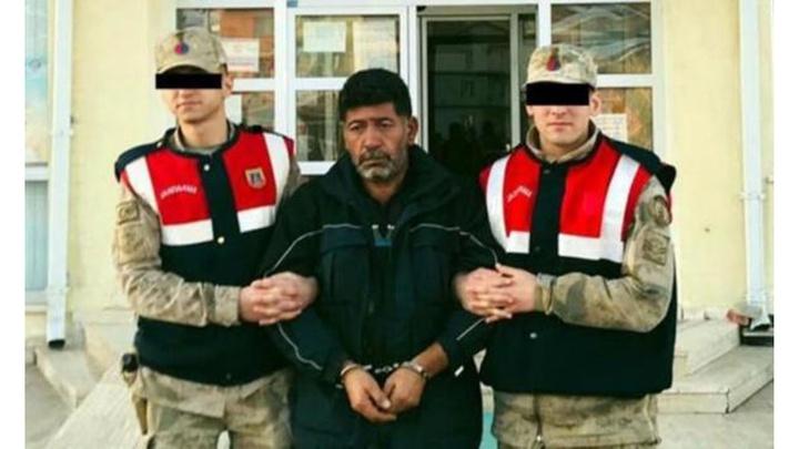 Sivas'ta hakkında 10 ayrı suçtan 82,5 yıl hapis cezası bulunan hükümlü köyde yakalandı