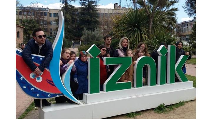 İzmit'te Down Kafe çalışanları İznik'te tarihi yerleri gezdi