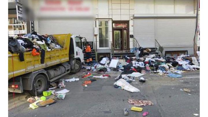 Belediye ekipleri, Kağıthane'de tek başına yaşayan yaşlı kadının evindeki 5 kamyon çöpü temizledi