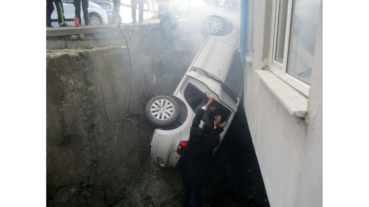 Cumhurbaşkanı Recep Tayyip  Erdoğan'ın oy kullanacağı okulun yanında inanılmaz kaza
